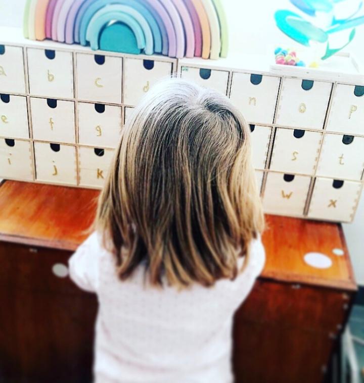 Apprendre l'alphabet en s'amusant#Montessori